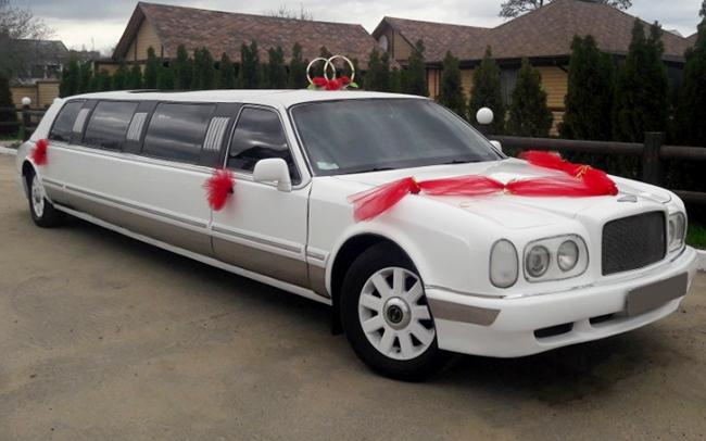 Аренда Лимузин Bentley Arnage Limo (Реплика) на свадьбу Чернигов